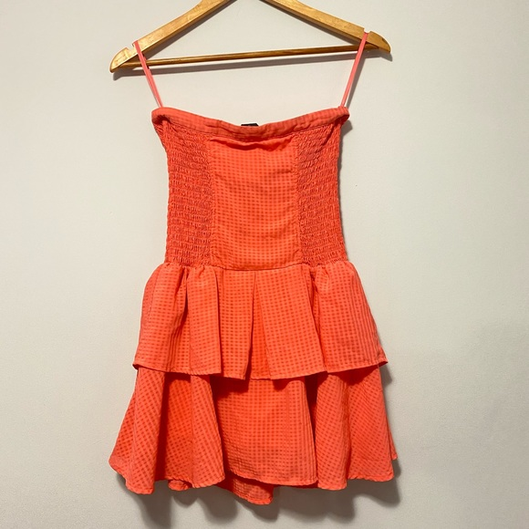 Bebe Strapless Mini Lined  Cocktail Dress size S